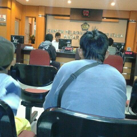 Photo taken at Kantor Pelayanan Pajak Pratama Mataram Barat by iis t. on 6/13/2012
