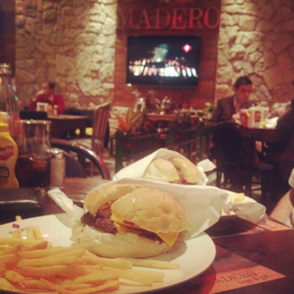 Photo taken at Madero Burger & Grill by Marcelo M. on 6/19/2012