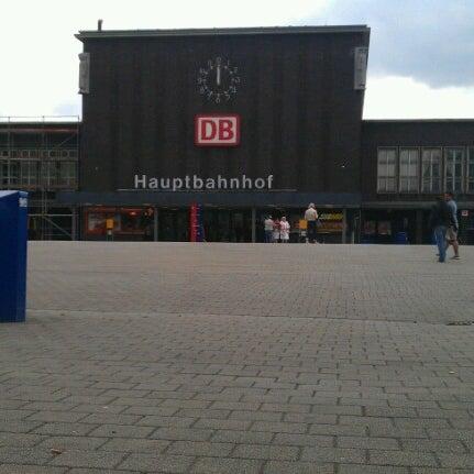 Photo taken at Duisburg Hauptbahnhof by Matthias H. on 7/22/2012