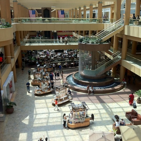 Guide to scottsdale 39 s best spots for Olive garden fashion square mall
