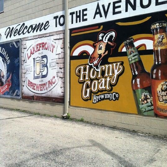 Avenue liquor liquor store in milwaukee for Craft stores in milwaukee