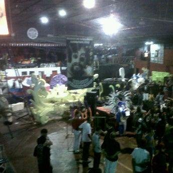 1/25/2012 tarihinde William P.ziyaretçi tarafından G.R.C.S Escola de Samba Unidos de São Lucas'de çekilen fotoğraf