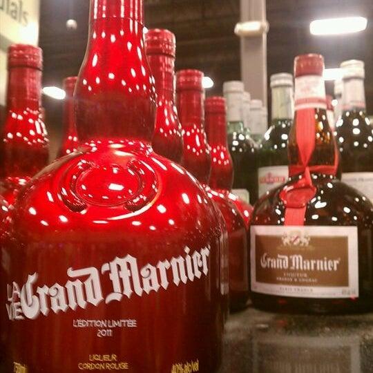 Foto tirada no(a) Argonaut Wine & Liquor por SumGuy I. em 12/2/2011