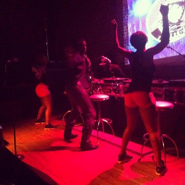 รูปภาพถ่ายที่ Summit Music Hall โดย ultra5280 เมื่อ 10/26/2011