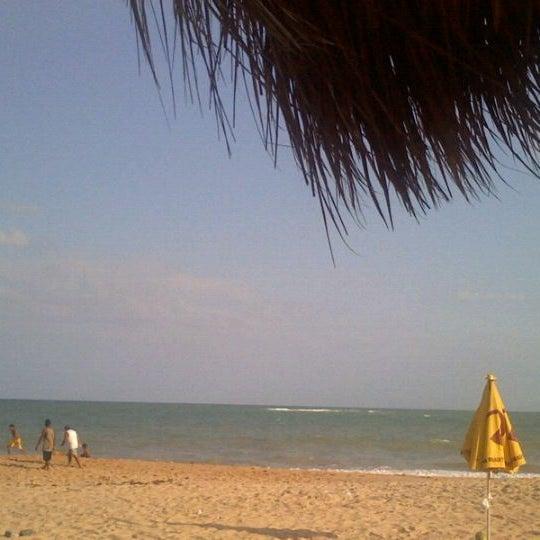 รูปภาพถ่ายที่ Praia de Guaxuma โดย Ederson R. เมื่อ 9/11/2011