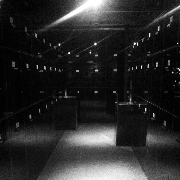 4/28/2012 tarihinde karmaziyaretçi tarafından Franz Kafka Museum'de çekilen fotoğraf