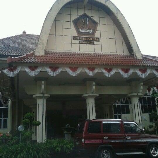 Photo taken at Kantor Pelayanan Pajak Pratama Mataram Barat by Yogo G. on 2/20/2012