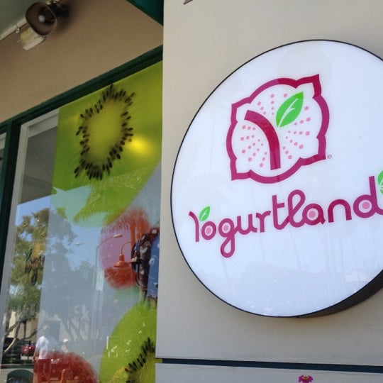Photo taken at Yogurtland by Jackie B. on 8/29/2012