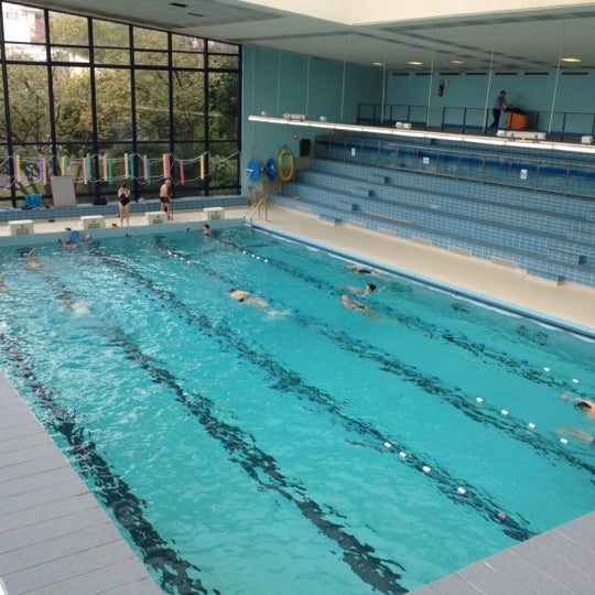 Piscine des raguidelles suresnes suresnes le de france for Piscines enterrees