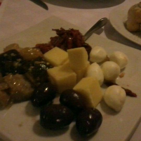 Foto tirada no(a) Di Andrea Gourmet Pizza & Pasta por Aline S. em 6/15/2012