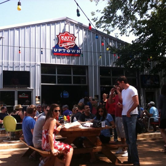 Photo taken at Katy Trail Ice House by Brooks J. on 5/15/2011