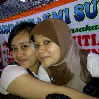 Photo taken at Pondok Bakmi Surabaya by Livonia N. on 9/23/2011