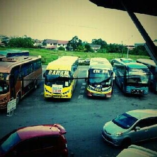Photo taken at Kuching Bus Terminal by Azlan J. on 2/24/2012