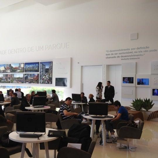 Foto tirada no(a) Obras Parque da Cidade por Daniel G. em 9/1/2012