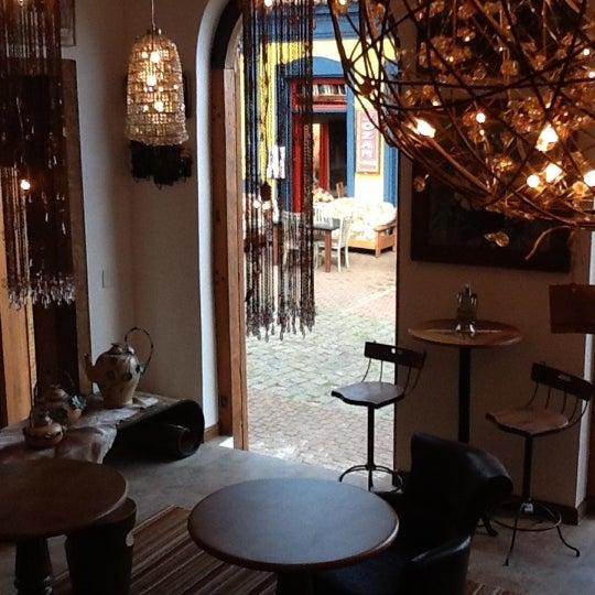 Foto tirada no(a) Florbela Café por Frederico B. em 3/31/2012