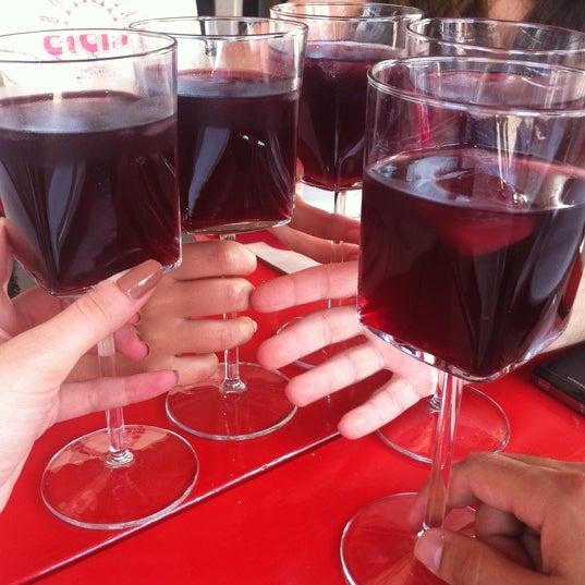 6/24/2012 tarihinde Cagla I.ziyaretçi tarafından Ada Cafe'de çekilen fotoğraf