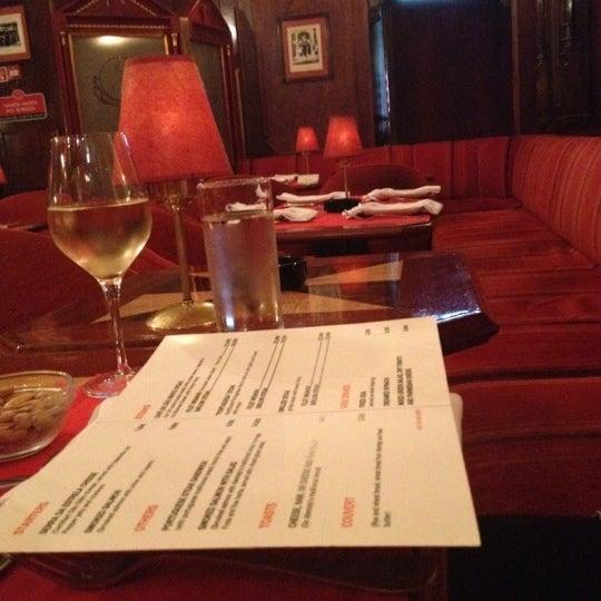 5/28/2012 tarihinde Bridgid M.ziyaretçi tarafından Café de São Bento'de çekilen fotoğraf