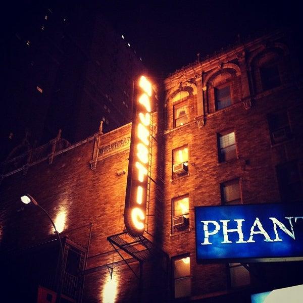 Foto tirada no(a) Majestic Theatre por Thibaud D. em 5/28/2012