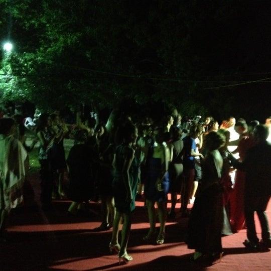 9/1/2012 tarihinde Mahirziyaretçi tarafından Yeşil Çiftlik Restaurant'de çekilen fotoğraf