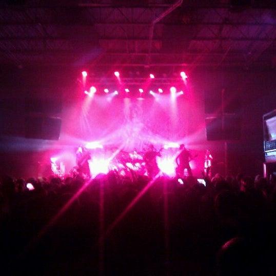รูปภาพถ่ายที่ Summit Music Hall โดย Meagan W. เมื่อ 4/18/2012