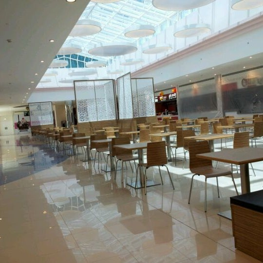 New mall ,eazy to park,alot viarety to have meal
