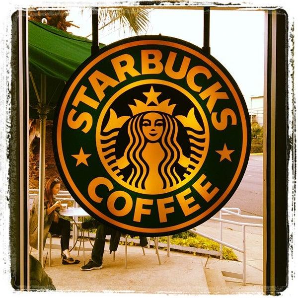 Photo taken at Starbucks by Cordaro on 12/1/2011