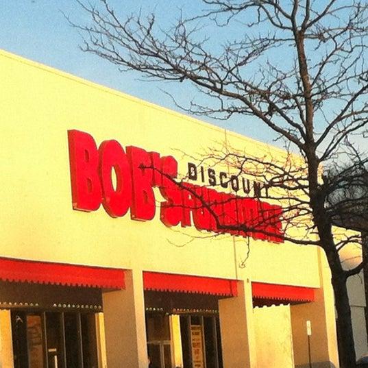 Bobu0026#39;s Discount Furniture - Tienda de muebles/artu00edculos ...