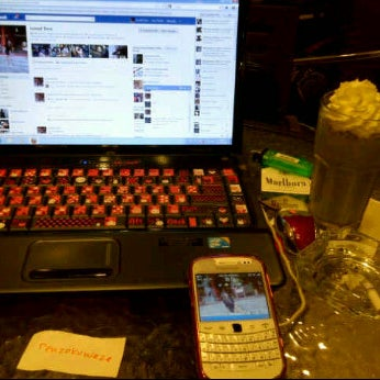 Photo taken at CoffeeBen's & Resto by theresia y. on 4/16/2012