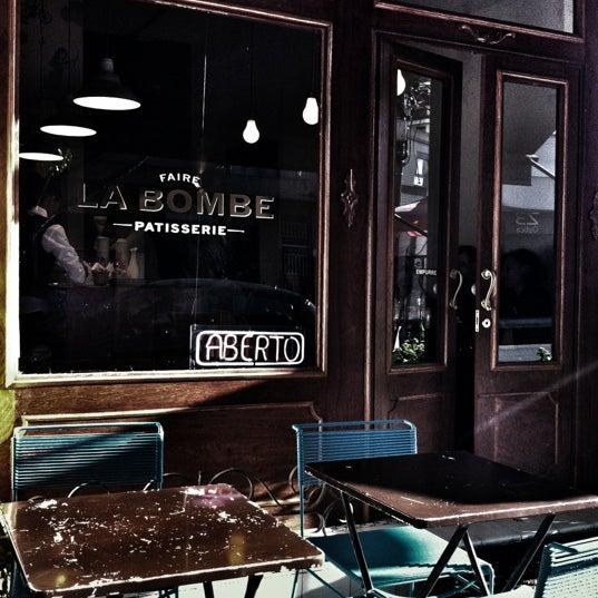 Foto tirada no(a) Faire La Bombe por estudio m. em 1/28/2012