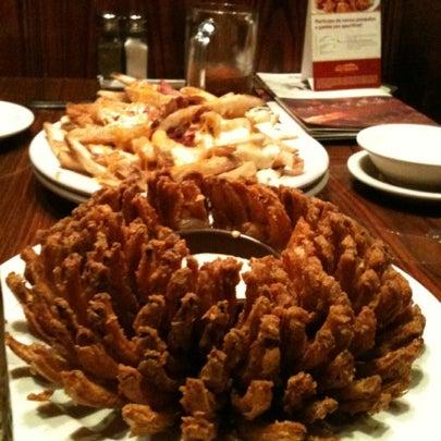 Foto tirada no(a) Outback Steakhouse por Carolina A. em 7/22/2012