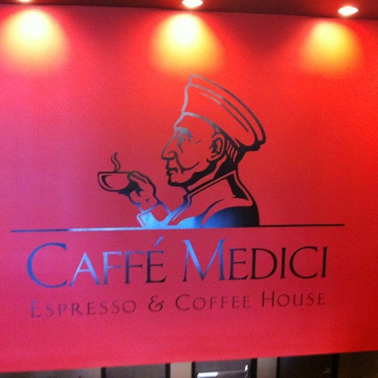 รูปภาพถ่ายที่ Caffé Medici โดย Josh K. เมื่อ 5/13/2012