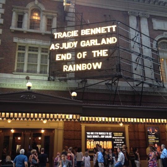 รูปภาพถ่ายที่ Belasco Theatre โดย Dominic G. เมื่อ 7/25/2012