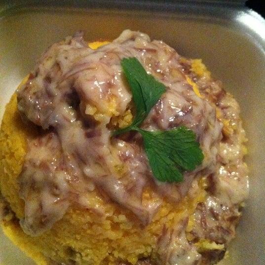 O cuscuz de carne de sol com nata é uma delícia!!! O de frango com requeijão também!!!!