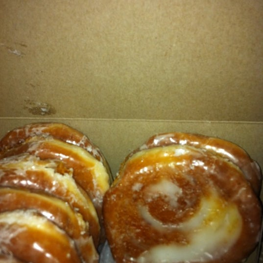 Photo taken at Long's Bakery by Jan S. on 9/18/2011