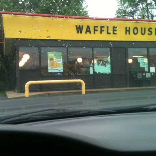Photo taken at Waffle House by Cassandra on 3/23/2012
