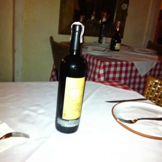 A carta de vinhos tem um custo beneficio bem interessante vale a pena consultar