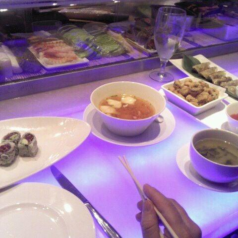 Photo taken at Nisen Sushi by Derrick P. on 11/27/2011