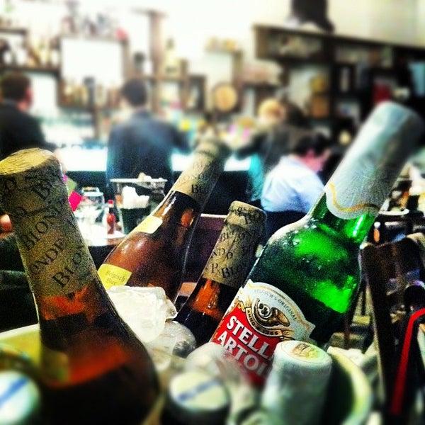 Foto tirada no(a) Verissimo Bar por Andre M. em 8/28/2012