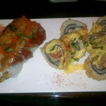Photo prise au Sushi O Bistro par Tamara N. le2/7/2012