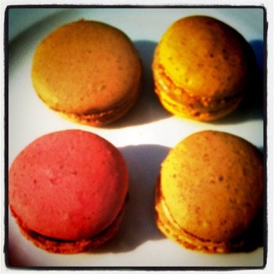 Macarons und Crepes der absoluten internationalen Spitzklasse! Totale Überraschung.