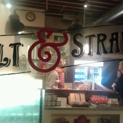 Das Foto wurde bei Salt & Straw von Andy F. am 11/19/2011 aufgenommen