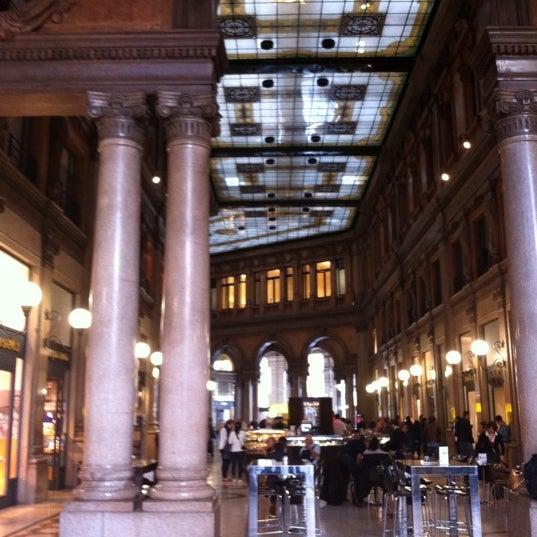 Foto scattata a Galleria Alberto Sordi da Michaela S. il 10/21/2011