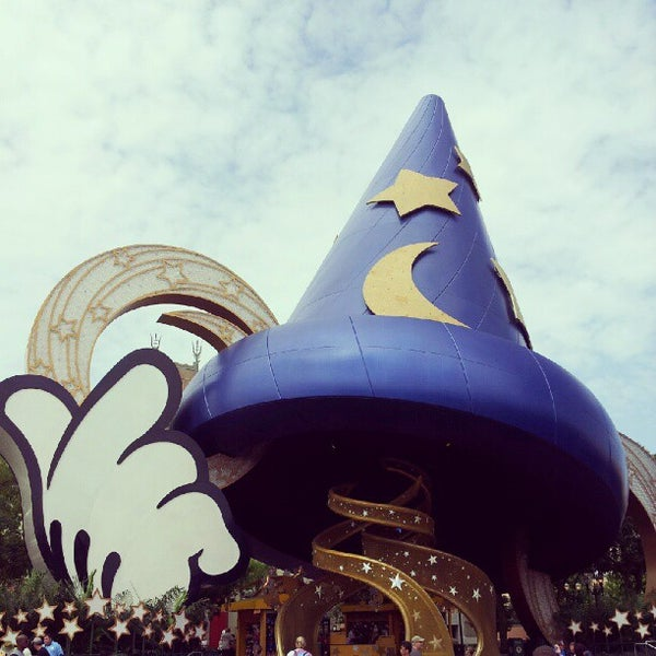 Photo taken at Disney's Hollywood Studios by Jose T. on 8/8/2012