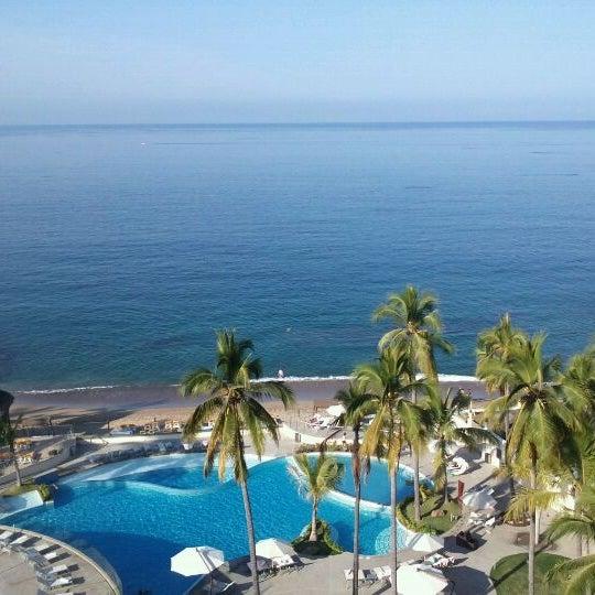 Foto tomada en Sunset Plaza Beach Resort & Spa por Robin R. el 1/1/2012