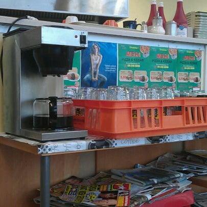 Foto diambil di Mega Pizza & Kebab oleh Herkko V. pada 12/1/2011