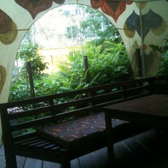 Снимок сделан в Кофейня «Кардамон» и лавка «Коллекция Пустяков» пользователем Tatyana 🌹 6/13/2012