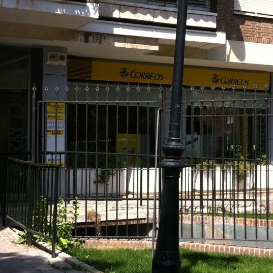 Photos at oficina correos post office in alameda de osuna for Oficina de correos