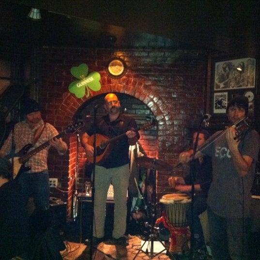 Foto tomada en Hurley's Irish Pub por Bones el 1/29/2011