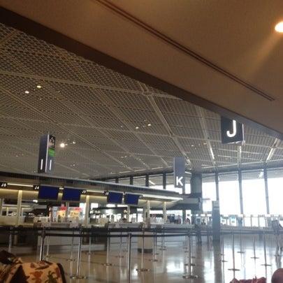 Photo taken at Narita International Airport (NRT) by KaRTiB P. on 8/7/2012