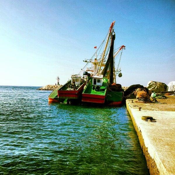 9/2/2012 tarihinde Dilay Ç.ziyaretçi tarafından Küçükkuyu Limanı'de çekilen fotoğraf